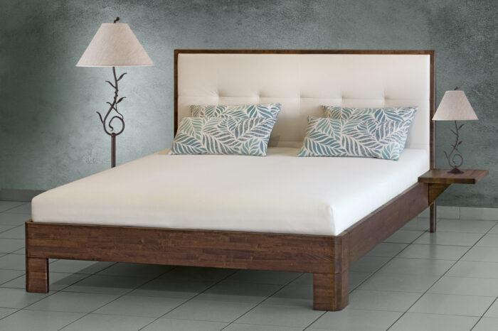 Celomasivní postel kaučuk